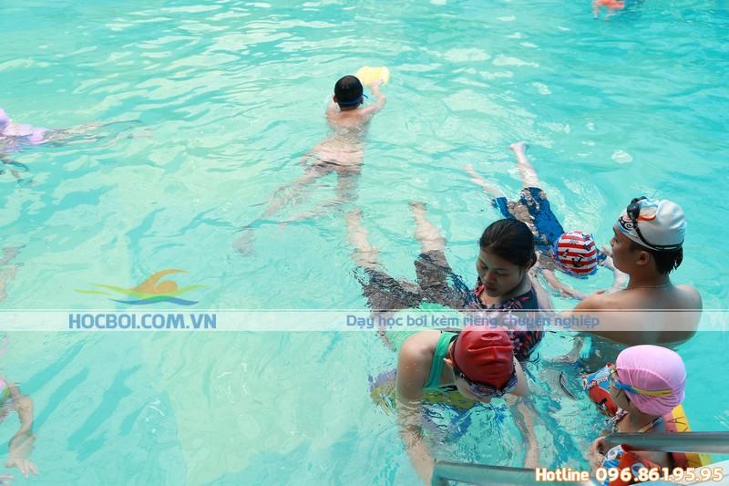 Chi phí lớp học bơi tại bể bơi Bảo Sơn