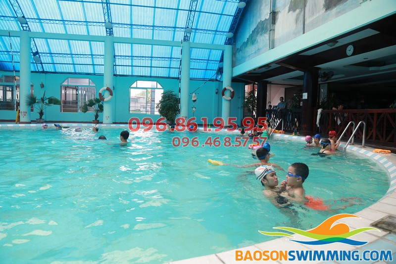 Bể bơi khách sạn Bảo Sơn - địa điểm học bơi lý tưởng