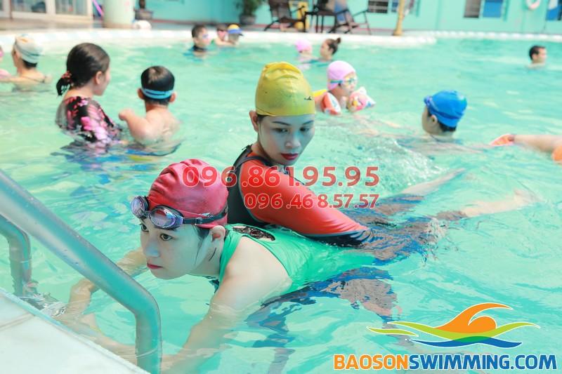 Học bơi tại Bảo Sơn cùng giáo viên nữ chất lượng - 02