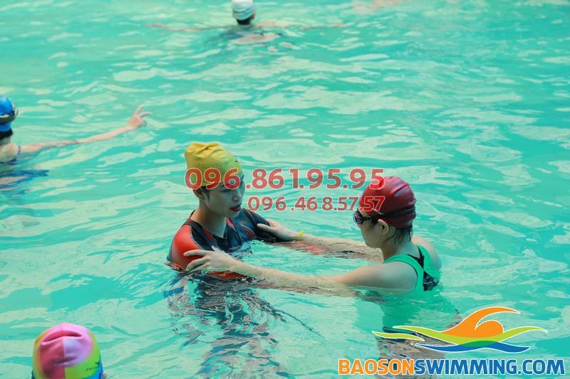 """Học bơi khách sạn Bảo Sơn tại Baosonswimming - sự lựa chọn """"trên cả tuyệt vời"""" 02"""