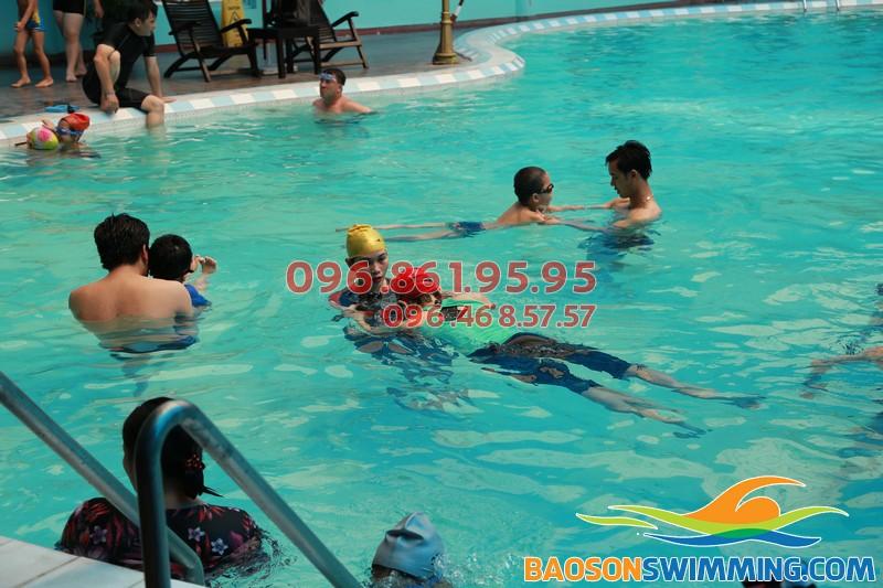 Tất tần tật thông tin về lớp học bơi ở bể bơi khách sạn Bảo Sơn 01