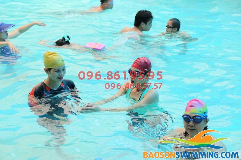Lớp dạy bơi khách sạn Bảo Sơn kèm riêng của Bảo SơnSwimming