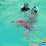 Học bơi tại bể bơi Bảo Sơn – Khóa học thú vị cho bé mùa hè này