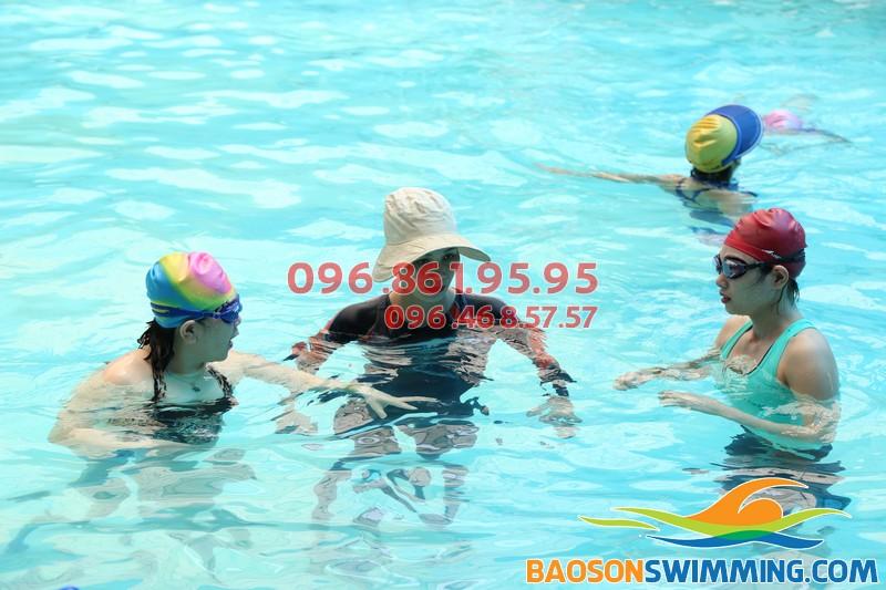 Lớp dạy bơi khách sạn Bảo Sơn kèm riêng của Bảo Sơn Swimming
