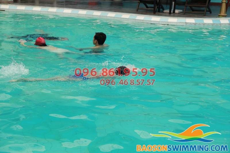 Học bơi tại khách sạn Bảo Sơn