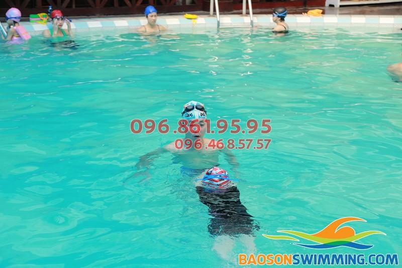 Học bơi khách sạn Bảo Sơn