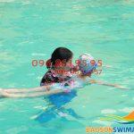 3 lý do bạn không thể bỏ qua lớp dạy bơi khách sạn Bảo Sơn kèm riêng