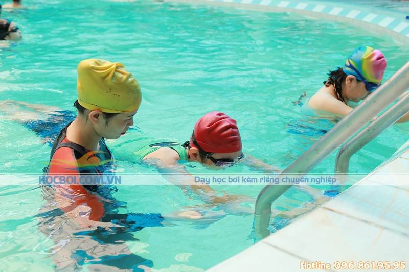Tác dụng của việc học bơi kèm riêng