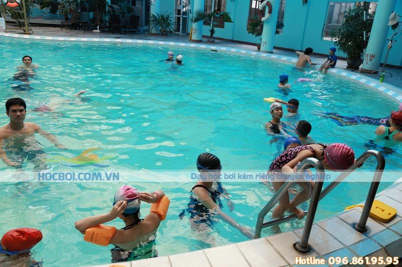 Bể bơi khách sạn Bảo Sơn – Địa điểm học bơi thú vị