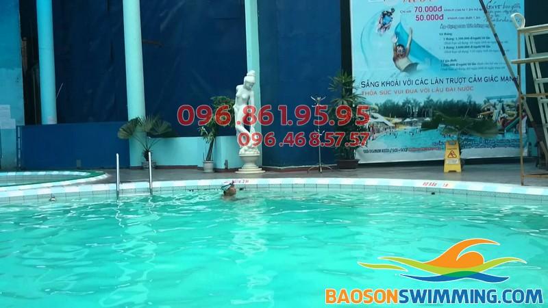 Cách nhận biết bể bơi chất lượng