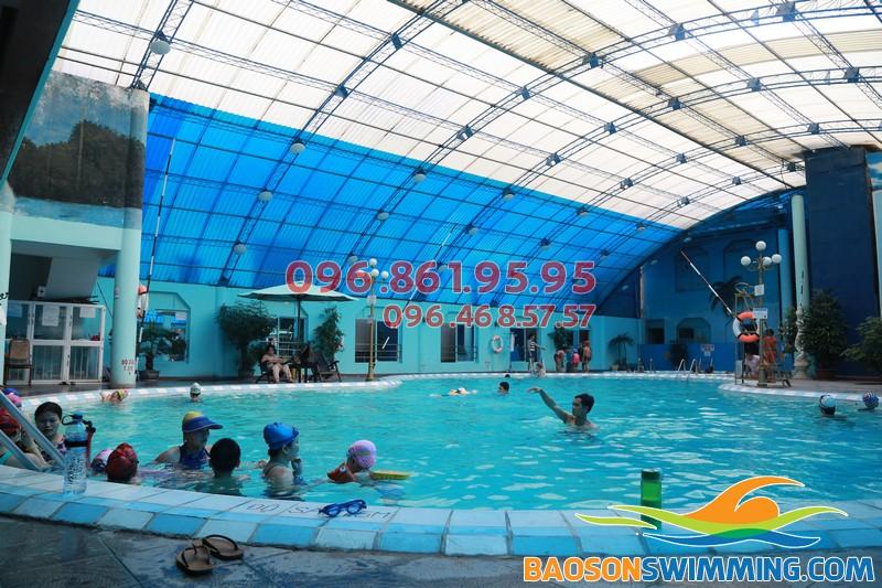 Địa điểm học bơi chất lượng và an toàn nhất cho trẻ nhỏ