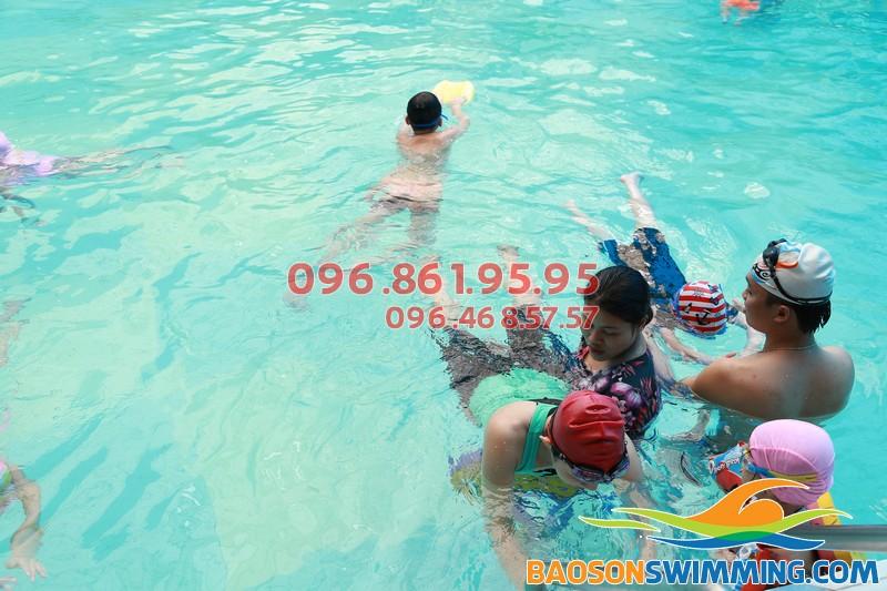 Cần tìm giáo viên dạy bơi giỏi tại Hà Nội