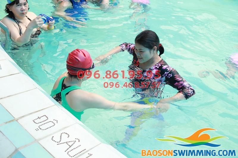 Bơi lội giúp dân văn phòng cải thiện chức năng đường hô hấp