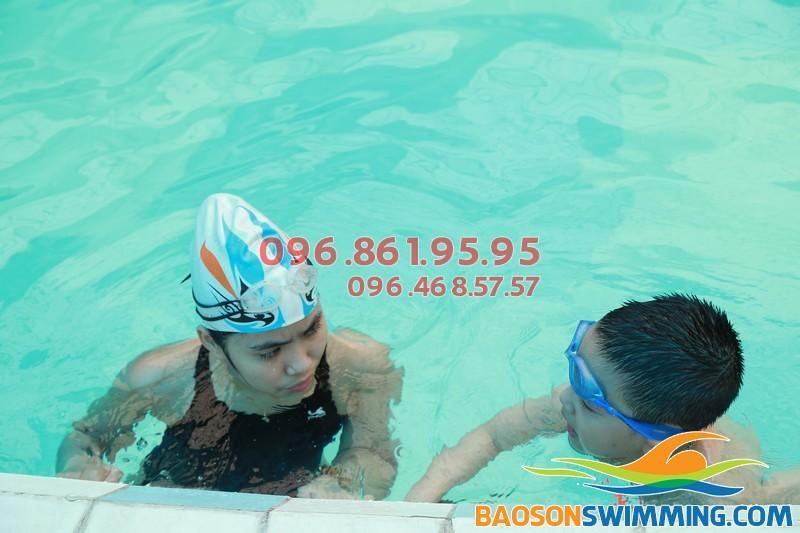 Lớp học bơi cho trẻ em tốt nhất 2017