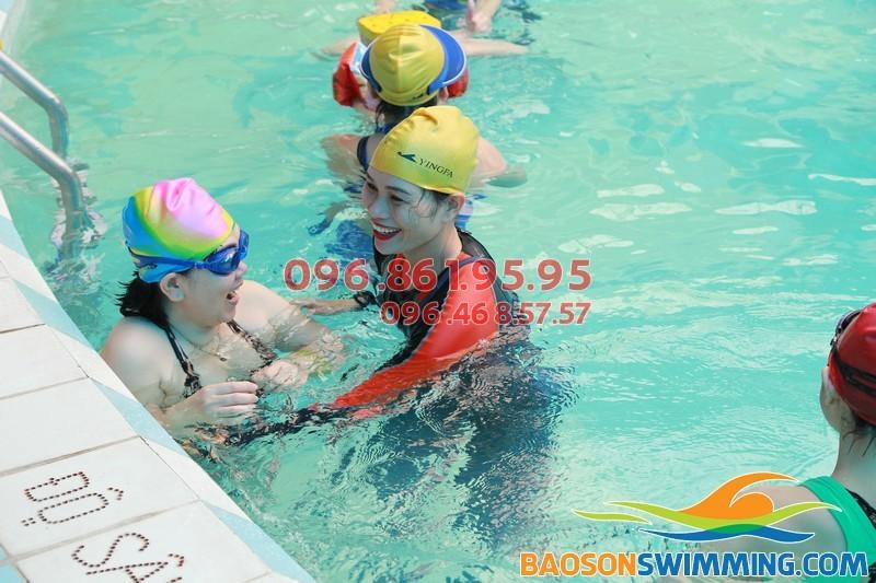 Các lớp học bơi tại bể bơi Bảo Sơn 2017