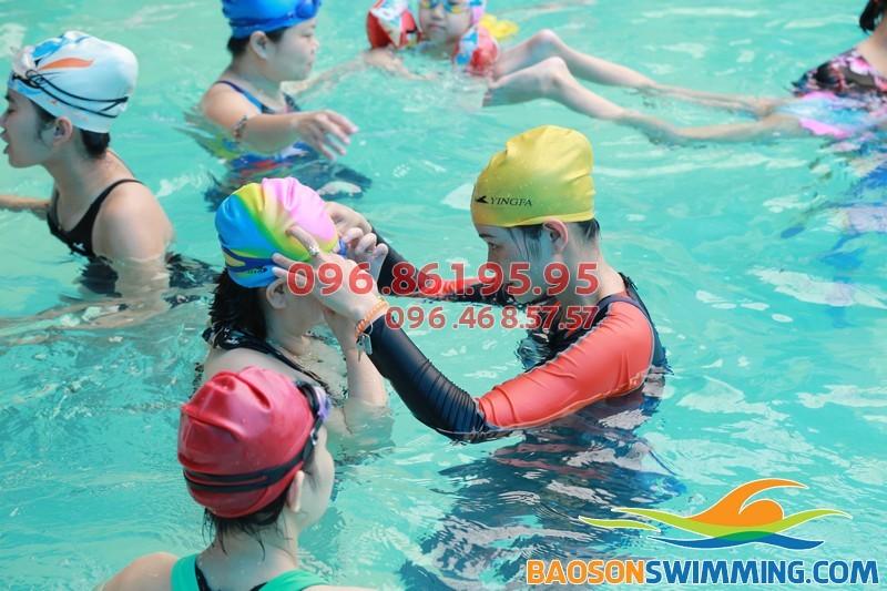 Học bơi kèm riêng chất lượng cao cho người cao tuổi tại bể bơi Bảo Sơn