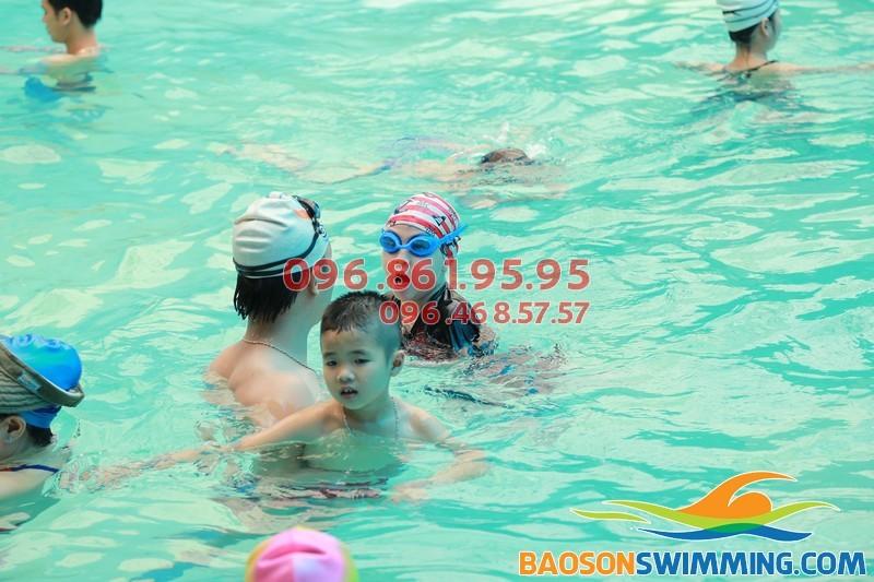 Tư vấn cách chọn lớp học bơi phù hợp giành cho trẻ em