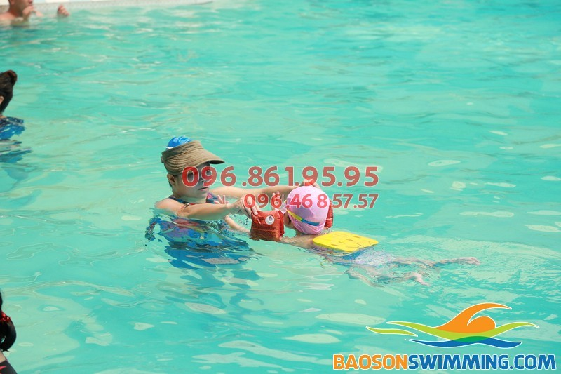 Dạy bơi kèm riêng giá rẻ bể Bảo Sơn 2017
