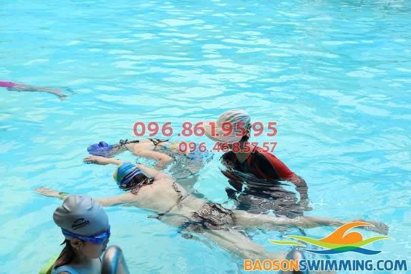 Thông tin cơ bản về lớp học bơi kèm riêng cho người lớn bể Bảo Sơn