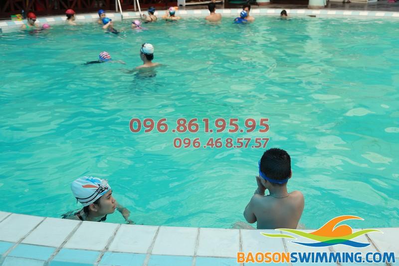 Học bơi cơ bản cho trẻ em bể Bảo Sơn