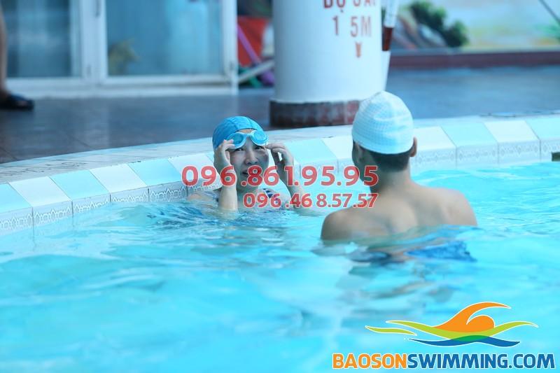 Dạy bơi kèm riêng giá rẻ bể Bảo Sơn 2017: HLV giỏi, giáo án bơi bài bản