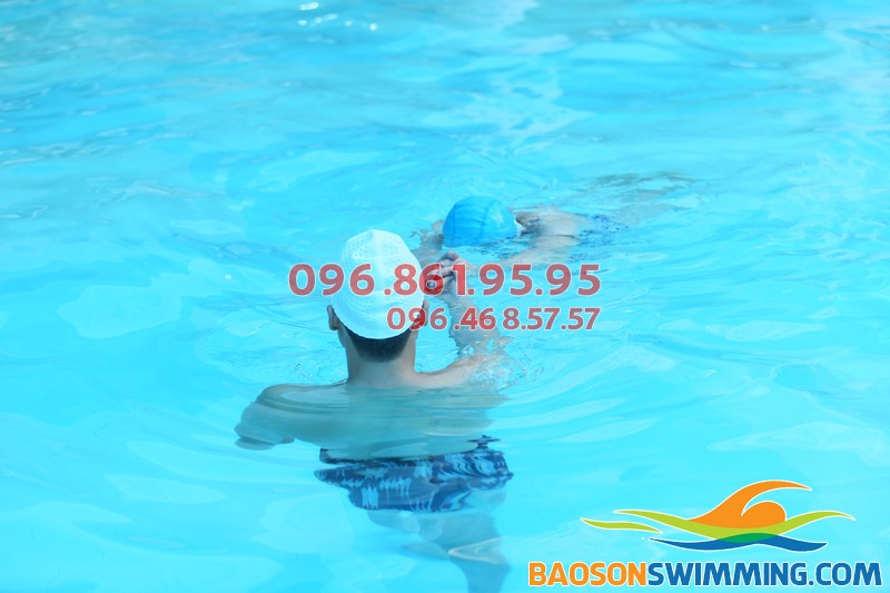 Dạy học bơi cấp tốc bể Bảo Sơn: Cam kết biết bơi nhanh, kỹ thuật bơi chuẩn xác