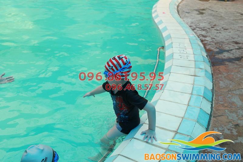 Dạy bơi trẻ em: Những tiêu chí nào được xem là quan trọng nhất?!