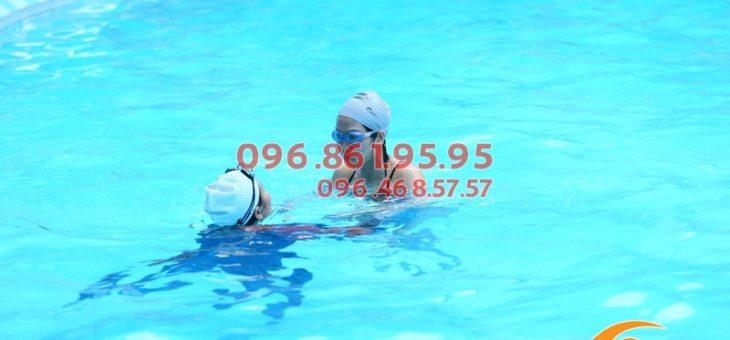 Học bơi cơ bản bể Bảo Sơn: Bao nhiêu tiền 1 khóa?!