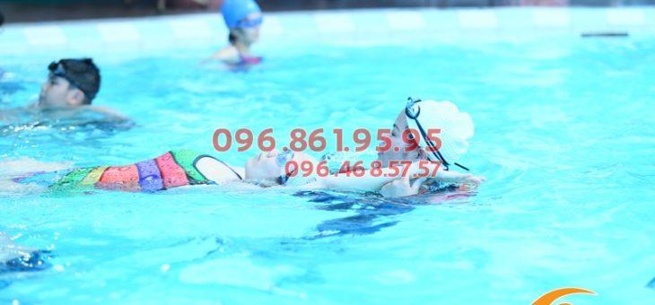 Học bơi siêu tốc cùng kình ngư quốc gia tại bể bơi Bảo Sơn