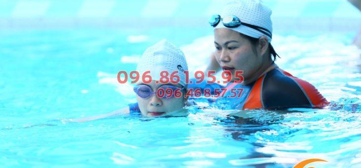 Khám phá lớp học bơi mùa đông cho người lớn bể Bảo Sơn