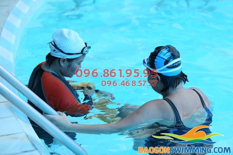 Hoc bơi mùa đông bể bơi Bảo Sơn với chi phí rẻ