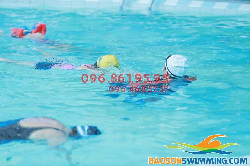 Học bơi mùa đông là giải pháp hữu hiệu để xả stress