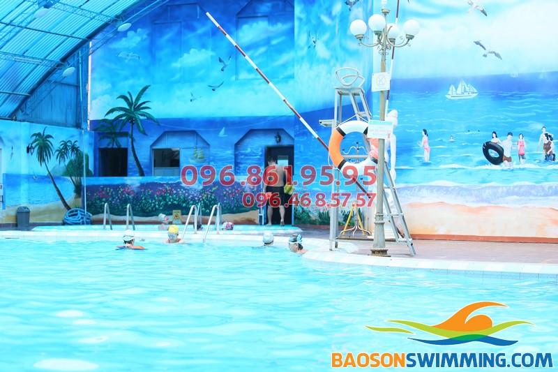 Học bơi mùa đông không hề lạnh tại bể nước nóng Bảo Sơn