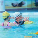 Học bơi mùa đông bể bơi Bảo Sơn giá rẻ, cam kết biết bơi sau 7 ngày