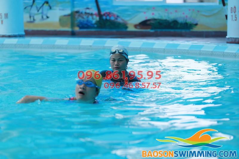 Lớp học bơi mùa đông cấp tốc bể nước nóng Bảo Sơn 2017 chất lượng tốt - 01