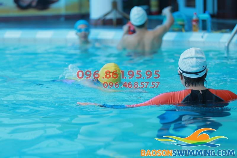 Học bơi bể nước nóng Bảo Sơn 2017, học viên được lựa chọn thời gian học linh hoạt