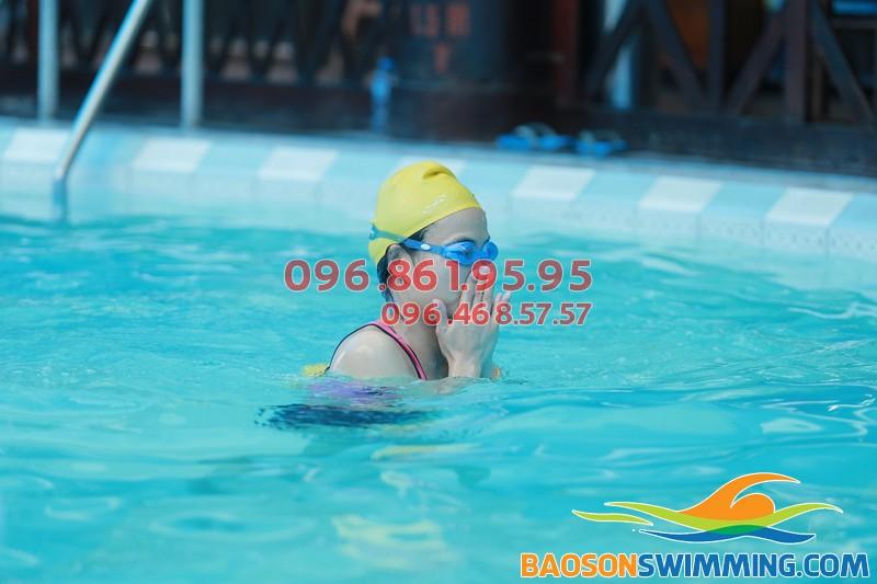 Đăng ký học bơi cấp tốc bể nước nóng Bảo Sơn 2017 để biết bơi nhanh chóng