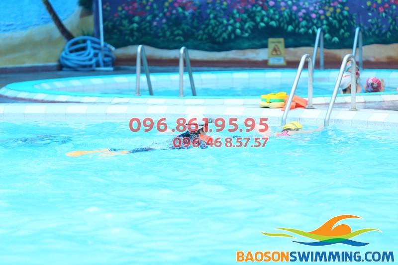 Bể bơi nước nóng Bảo Sơn