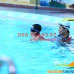 Lớp học bơi bể nước nóng khách sạn Bảo Sơn cho người lớn mùa đông 2018