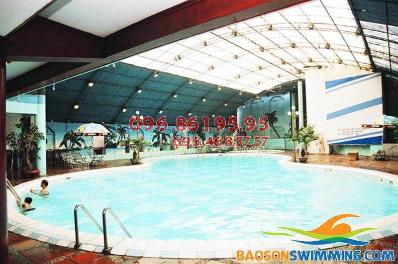 Bể bơi nước nóng Bảo Sơn, thích hợp cho mọi đối tượng học viên tham gia khóa học bơi mùa đông