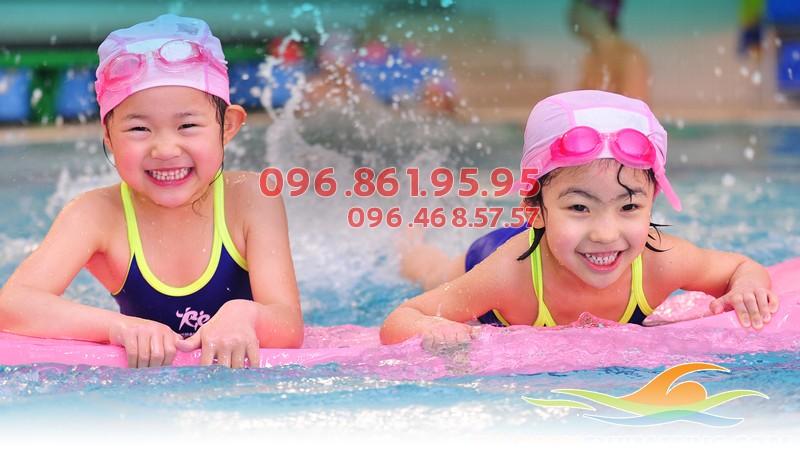 Các học viên trẻ em của Bảo Sơn Swimming