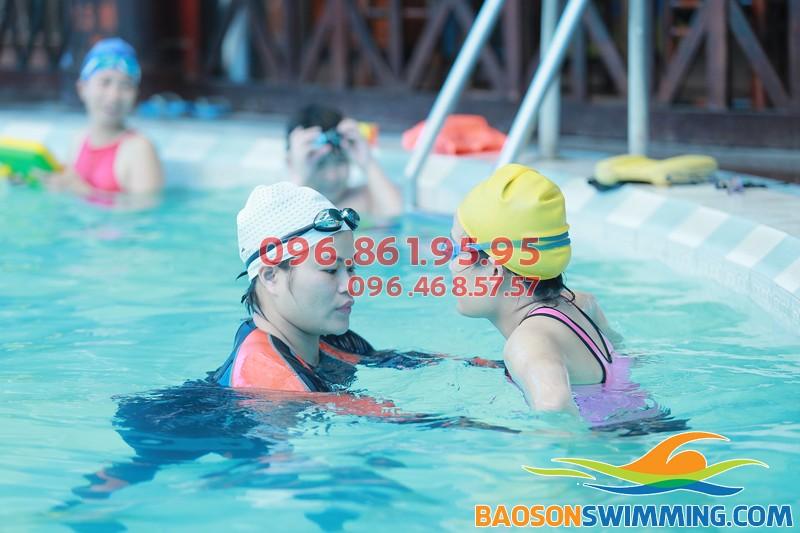Học bơi bể Bảo Sơn 2018 với hình thức kèm riêng chất lượng