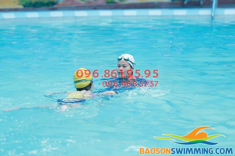 Tất cả các lớp dạy bơi kèm riêng bể Bảo Sơn đều được tổ chức với hình thức kèm riêng