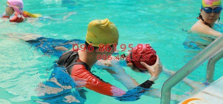 Học bơi ếch nhanh nhất cùng HLV kèm riêng tại bể Bảo Sơn