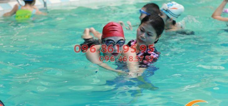 Phương pháp dạy bơi tại bể Bảo Sơn hè 2018