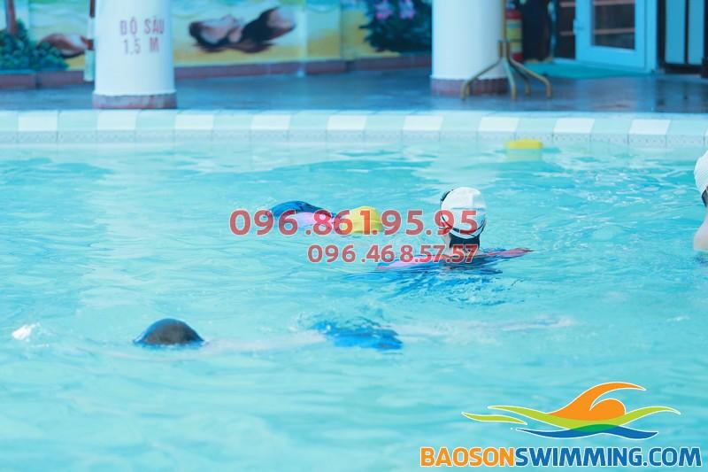 Bể bơi Bảo Sơn - Địa điểm học bơi tuyệt vời cho bé