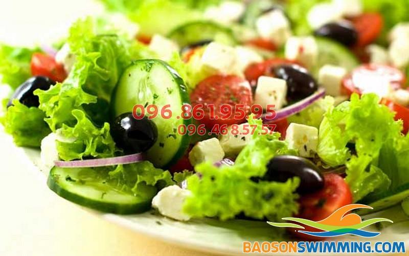 Nên ăn nhiều rau xanh trong quá trình giảm cân