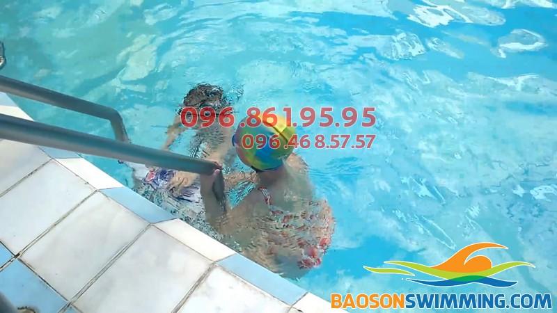 Từ 6 tuổi học viên có thể đăng ký tham gia học bơi ở Bảo Sơn