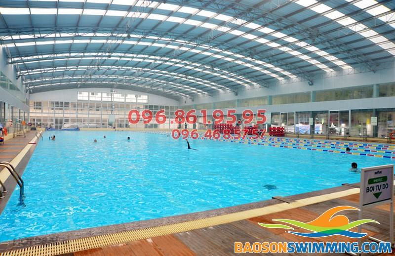Bể bơi tăng bạt hổ là địa chỉ bơi lội ưa thích của các tín đồ Hà Nội