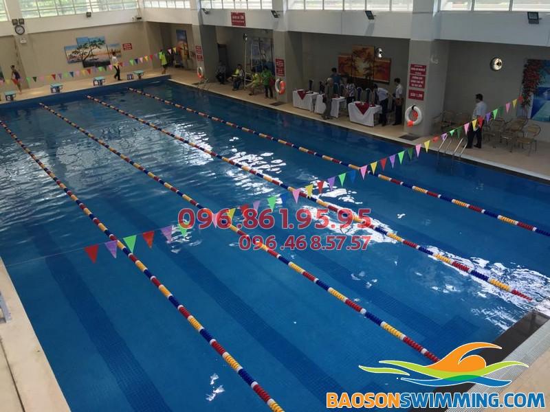 Dạy bơi kèm riêng tại bể bơi Nghĩa Tân